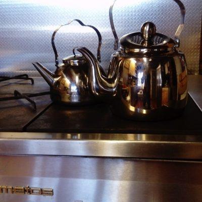 Keittiön isolla liedellä lämpenee isommatkin eväät