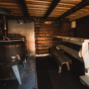 The old and original lumberjack sauna for memorable relaxation moments  | Photo Heikki Sulander