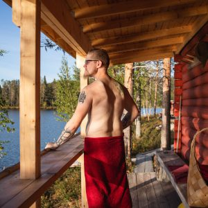 A swim in the natural lake cools off effectively during the sauna bathing hours.