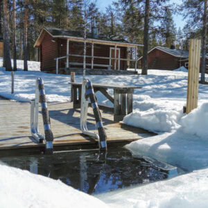 In winter, ice swimming or spin in the snow cools you effectively during sauna bathing hours.