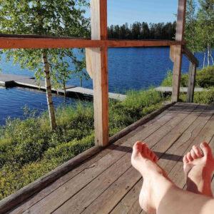 Uiminen ja saunominen on rentouttavaa.