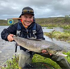 Elias Teriö on kalastusopas